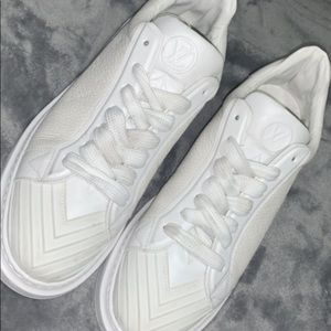 Louis Vuitton White leather shoes USED ONCE!